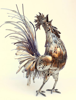 Brian Monk escultura de ave con tenedores y cucharas
