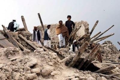 Casas sepultadas, tras terremoto en Afganistán, 11 de Junio de 2012