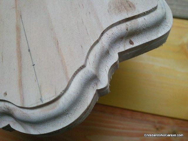 Cortar y fresar moldura en una tabla. www.enredandonogaraxe.com
