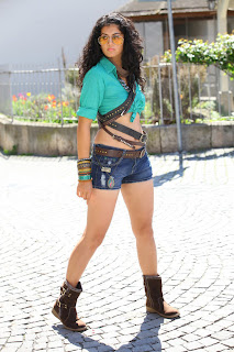 tapsee hot navel images