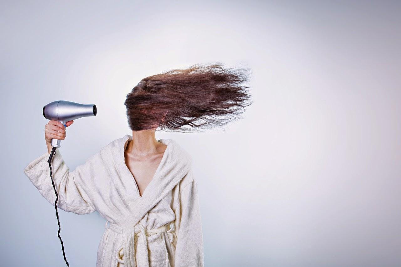 Cara meluruskan Rambut alami Tanpa Rebonding