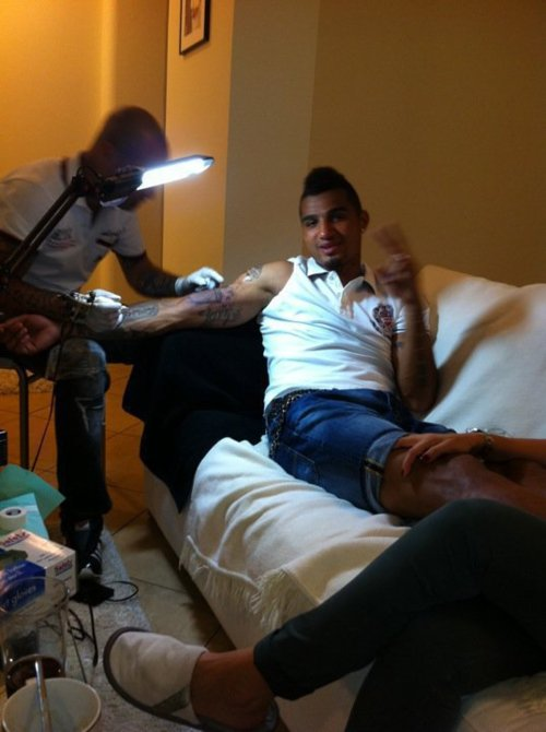  ... Breaking News) Kevin-Prince Boateng- New AC Milan 2011 Tattoo Unveiled
