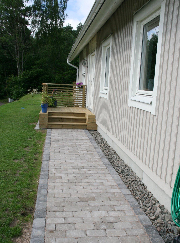 Vägen till vårt hus: Stengång och entrétrappa
