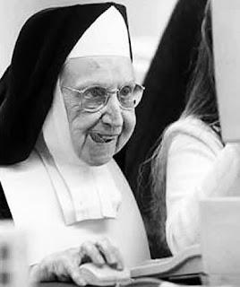Nuns Give Facebook Advice