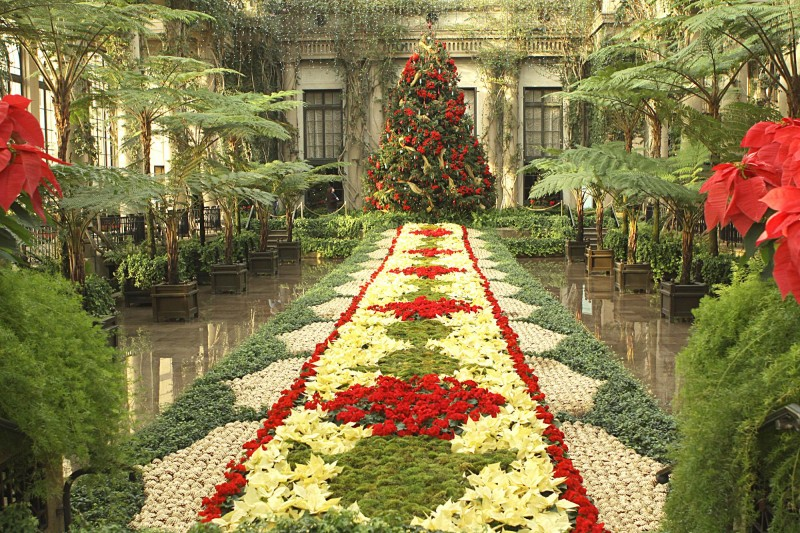 flower garden ideas and decorations Livin' In The Green: Christmas Garden Inspirations