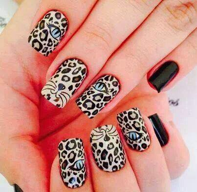 Uñas pintadas como leopardo