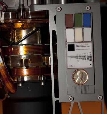 Общий вид калиброчны элементов камеры марсохода Curiosity