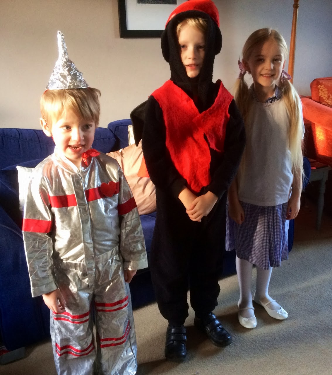children dressed as characters from The Wizard of Oz