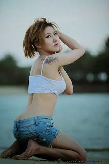 Hot model Miki