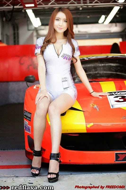Lee Yeon Yoon Queen Race Cantik di Arena Balap Mobil 2014
