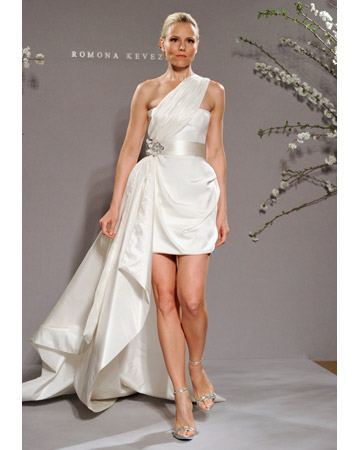 SHORT FABULOUS WEDDING DRESSES FOR THE MODERN BRIDE