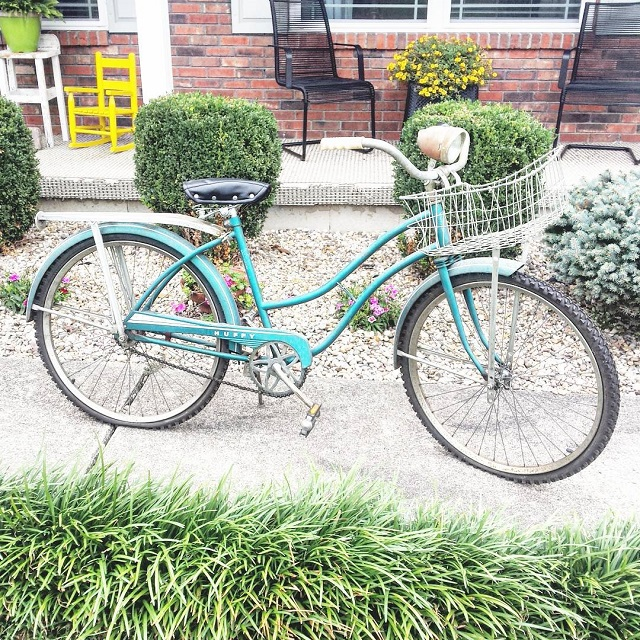 #thriftscorethursday Week 84   Instagram user: lououmint_etsy shows off this Vintage Huffy Teal Bike