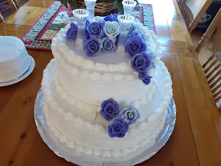 cake with rolled fondant roses