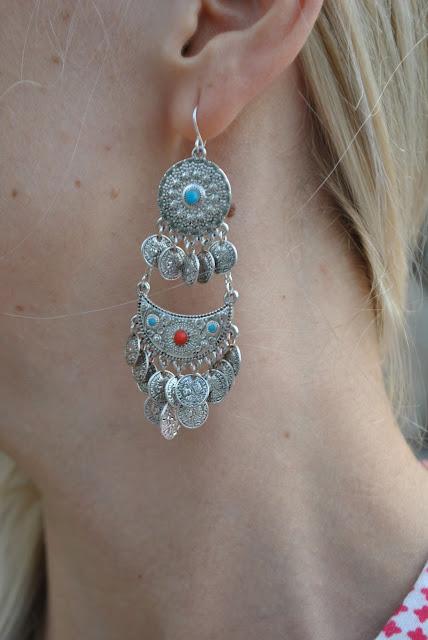 orecchini majique con charm monete orecchini boho orecchini estivi orecchini estate 2015 accessori estivi summer earrings majique london earrings oceanic jewellers