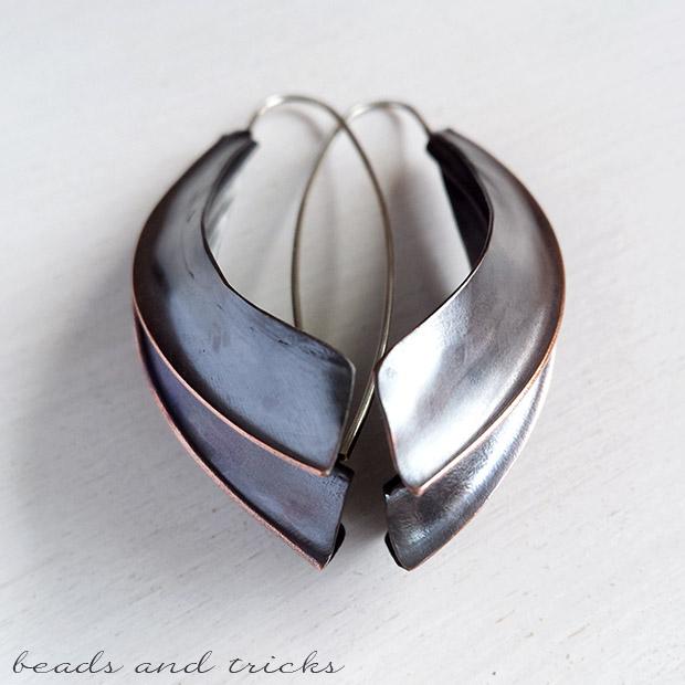 Orecchini in rame e argento, lavorati a foldforming