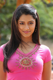 Mamta Mohandas Spicy Pink Top Sizzling Must See Beauty