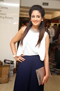 Parul Yadav Pictures at South Scope Calendar 2014 Launch  (41).jpg