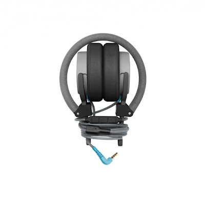 Sr77 le blog ao t 2012 for Le meuble headsets