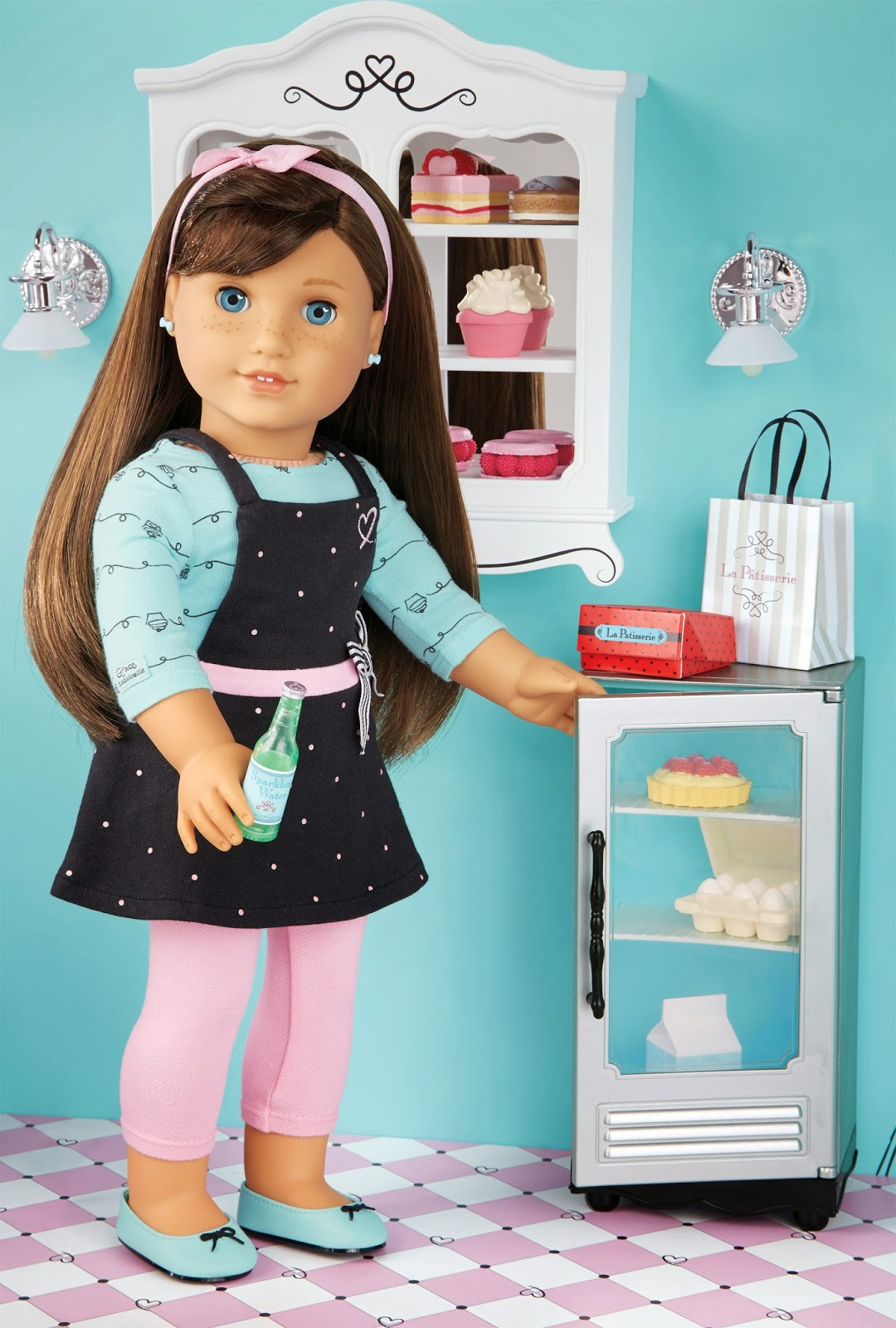 Grace Thomas doll and her bakery set