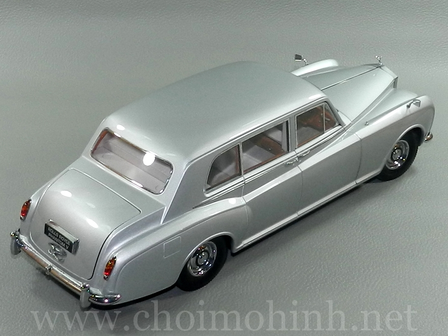 Rolls-Royce Phantom V 1964 1:18 Paragon up