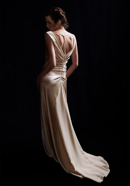 updatefashion: Enjoy the Beauty of Backless Wedding ...