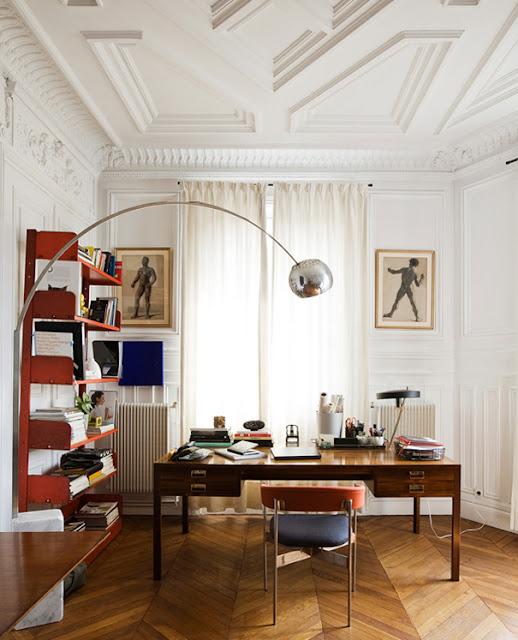 Chevrons / Point d''Hongrie - In an Office