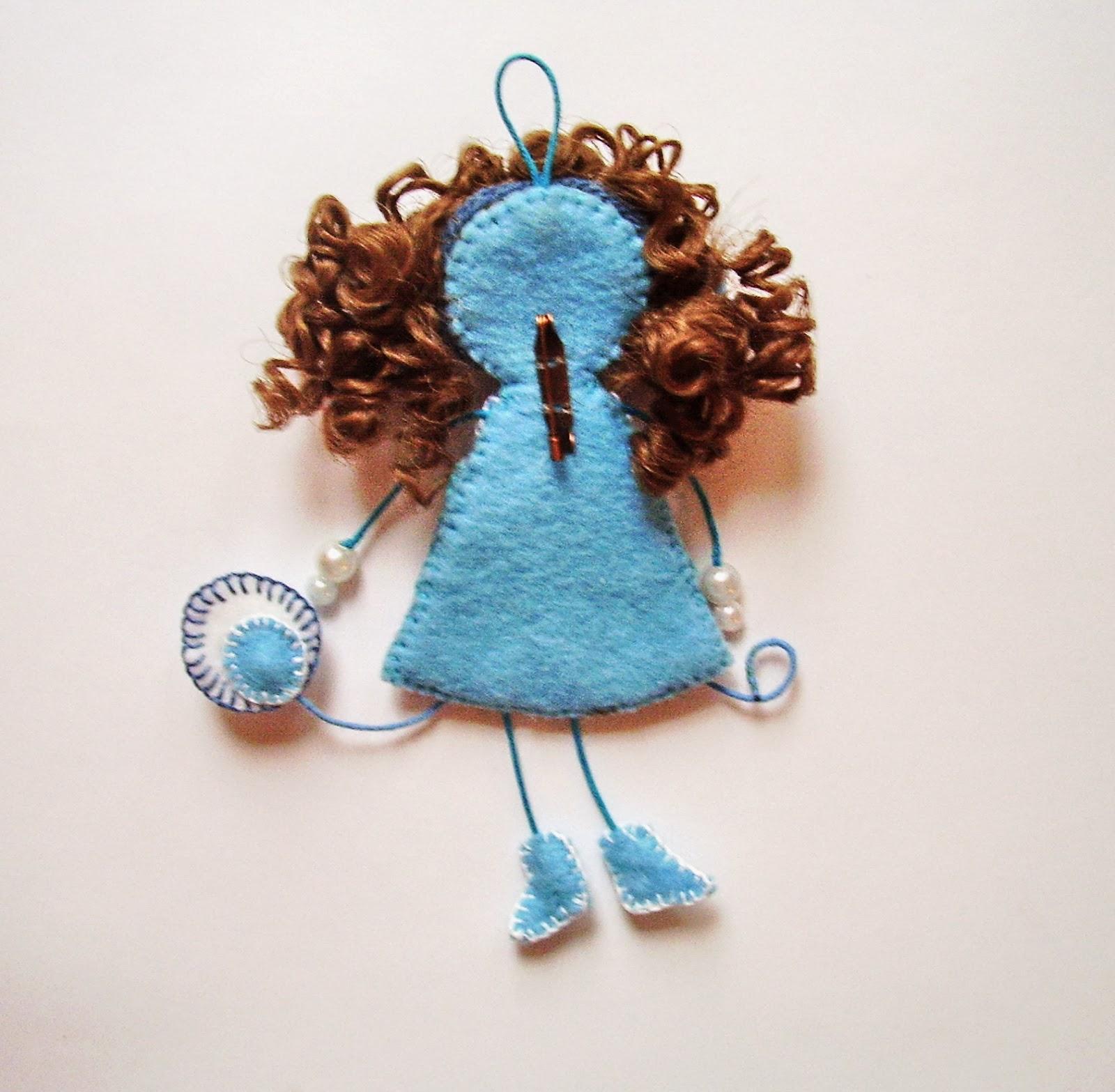 Игра в куколки шьём мягкие брошки из фетра Ярмарка 6