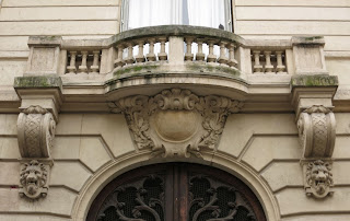 Balcon du 63 rue du Lancry à Paris