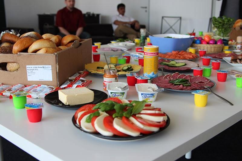Chroniques d 39 un stagiaire berlinois rainbow berlin for Dejeuner entre collegues