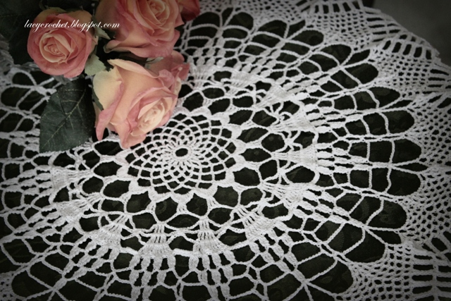 Lacy Crochet: Pineapple or Pine Cone Doily, Free Vintage Pattern