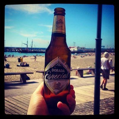Cerveza dorada en Tenerife