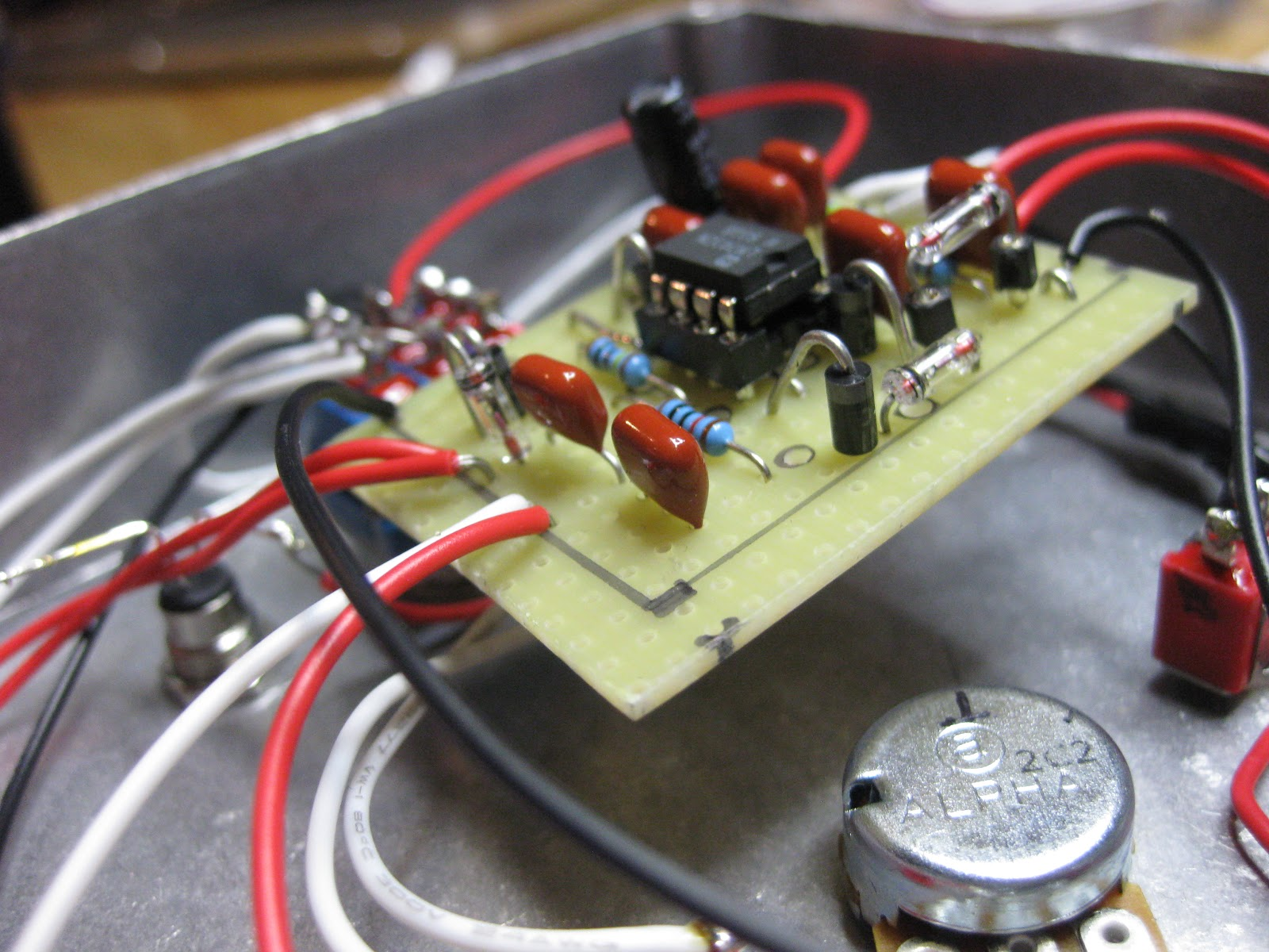 Diy Guitar Pedal Projects The Final Step Circuit Picture Sorry About Messy Wiring This Was A Hell Of First Project I Had Fun Throughout Whole Thing