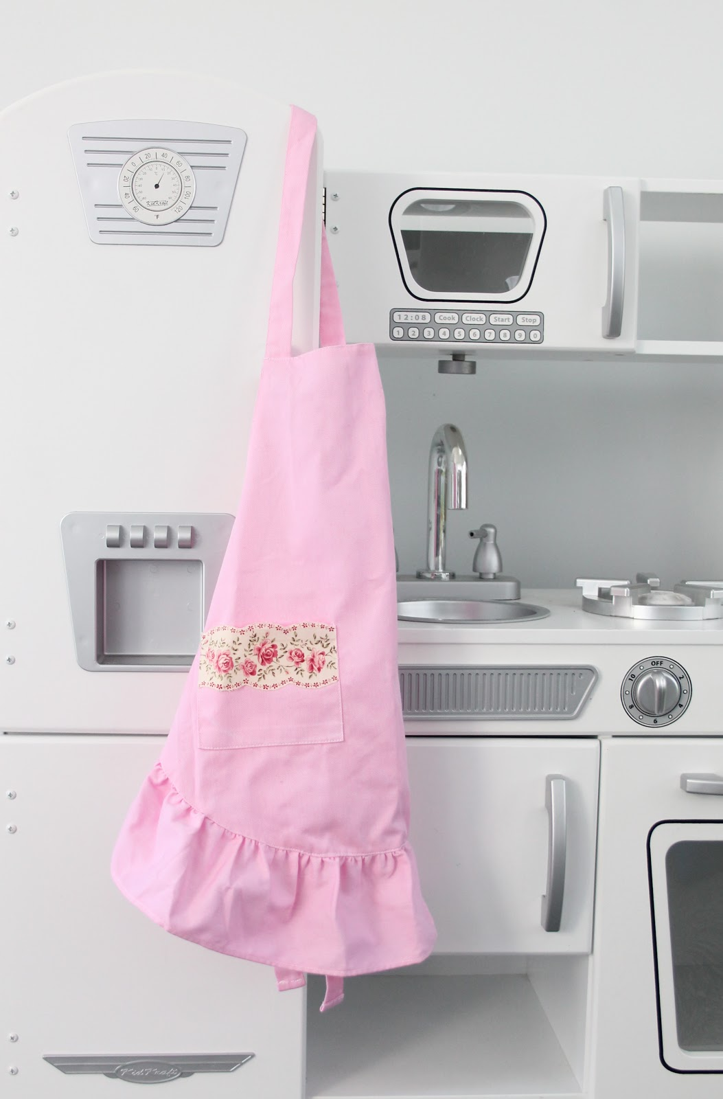 White apron hobby lobby - I Purchased Basic White Ruffled Child Size Aprons For Under 5 Each At Hobby Lobby Using Just A 1 4 Bottle Of Petal Pink Rit Dye I Dyed Them Pink In The