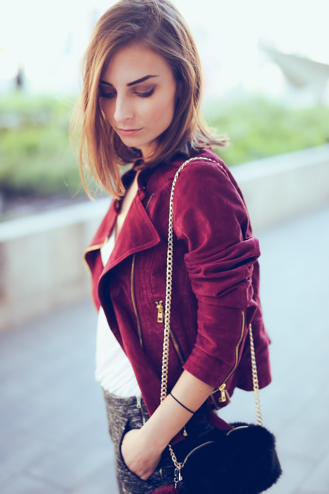 leather jacket, white top, flared trousers, pants, burgundy, fall, colours, street style, fashion blogger, f and f, zara, h&m,