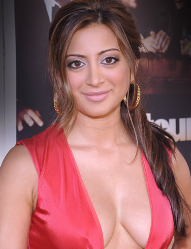 Hot Sexiest Noureen Dewulf American Actress Of Indian Descent