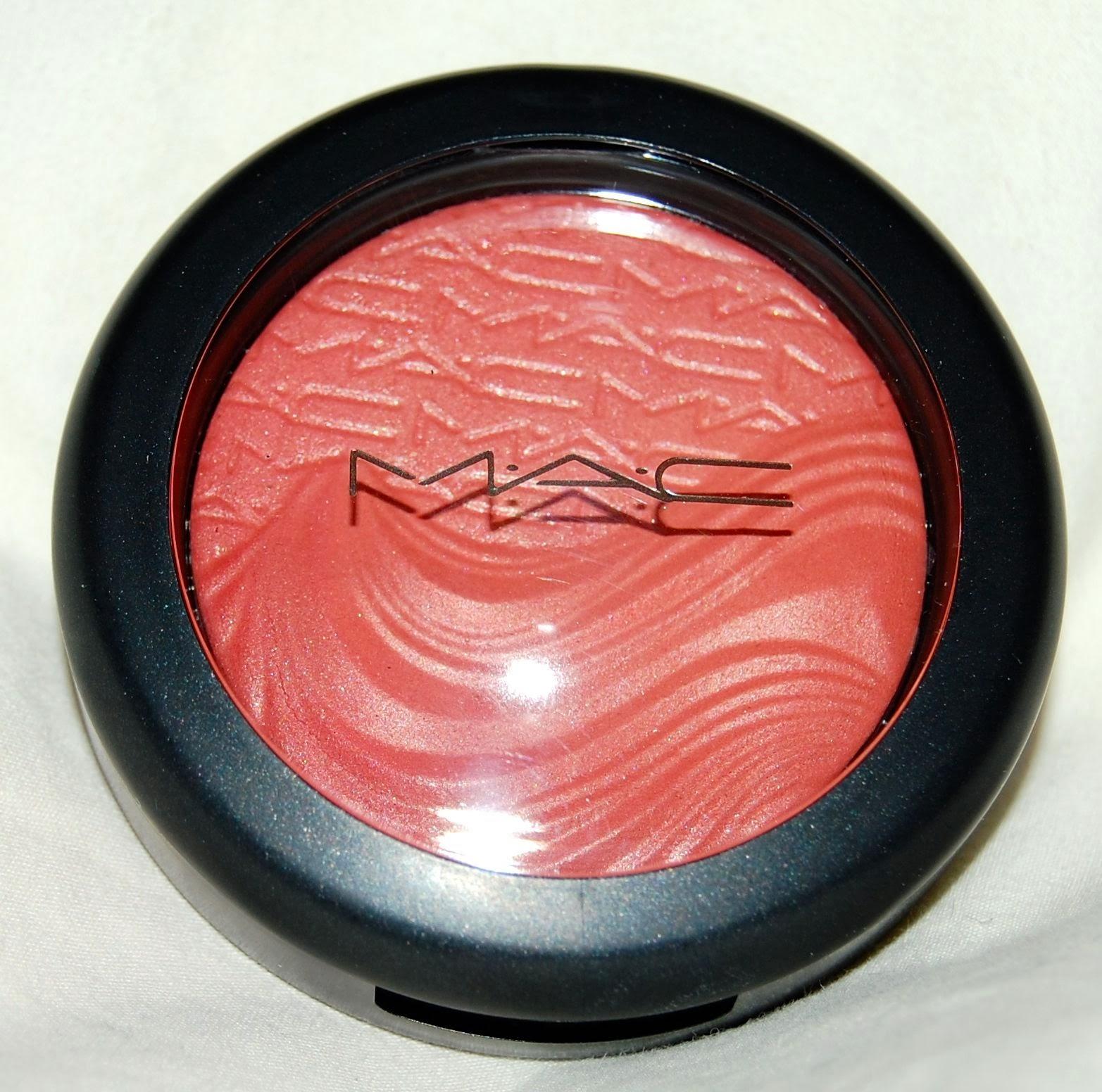 MAC-Magnetic-Nude-Extra-Dimension-Eyeshadow - Beauty