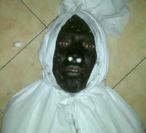 Foto Gambar Penampakan Hantu Setan Pocong Kuntilanak