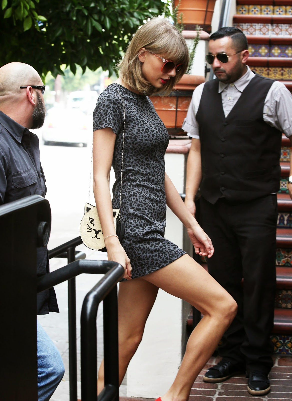 very hot and nude pics of taylor swift
