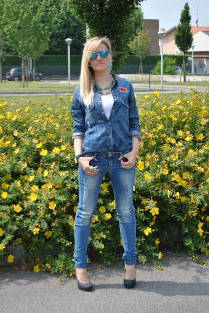 come abbinare la camicia di jeans outfit camicia di jeans abbinamenti camicia di jeans mariafelicia magno fashion blogger milano denim total look denim total outfit mariafelicia magno fashion blogger colorblock by felym blog di moda blogger italiane di moda milano outfit jeans skinny come abbinare la camicia di jeans come abbinare la camicia in denim jeans e tacchi denim day ragazze bionde blonde hair blonde girls pimkie replay majique london
