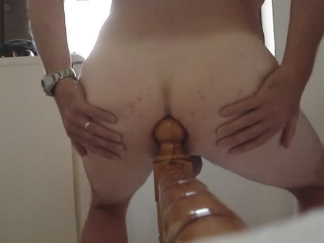 hot girls stretching vagina on bedpost