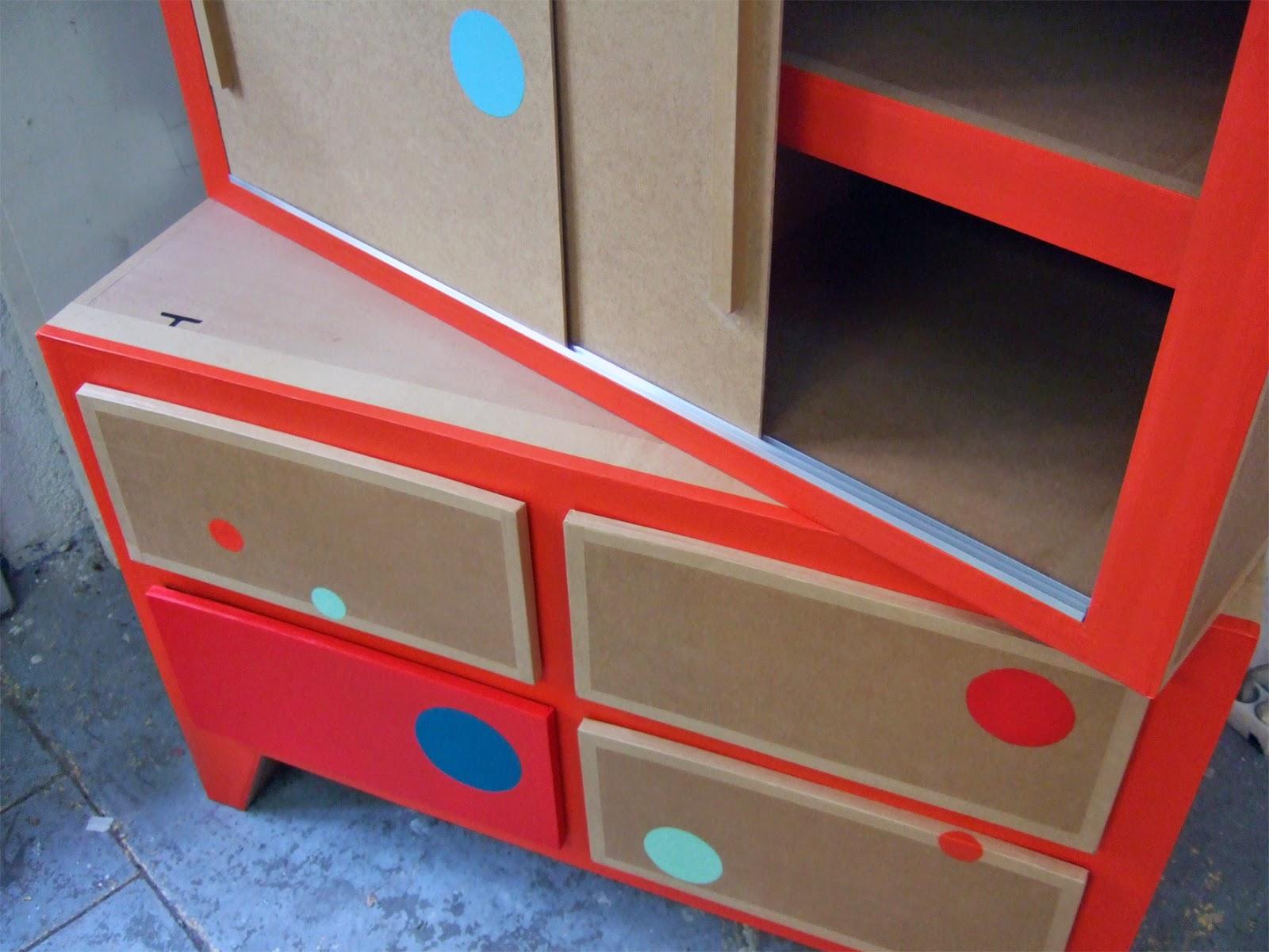 armoire en carton. meuble en carton sur mesure. fabriqué à marseille par juliadesign.