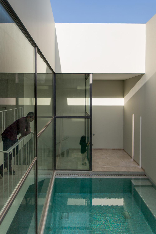 Arquitectura arquidea green core apartamentos con - Diseno patio interior ...