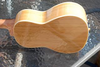 Moselele Bambookulele concert ukulele back