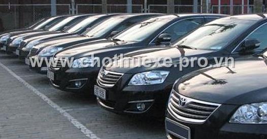 Cho thuê xe 4 chỗ Toyota Camry 2.4 G đời mới
