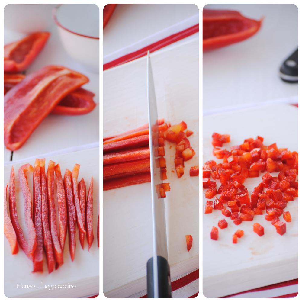 Cortar pimiento rojo a tiras y en brunoise