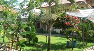 Wisata Lingkungan Sekolah dengan Halaman Yang Hijau dan Asri