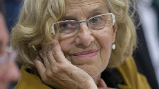 Carta de Carmena a Adif y Aena: «Colgad la bandera gay en estaciones y aeropuertos»