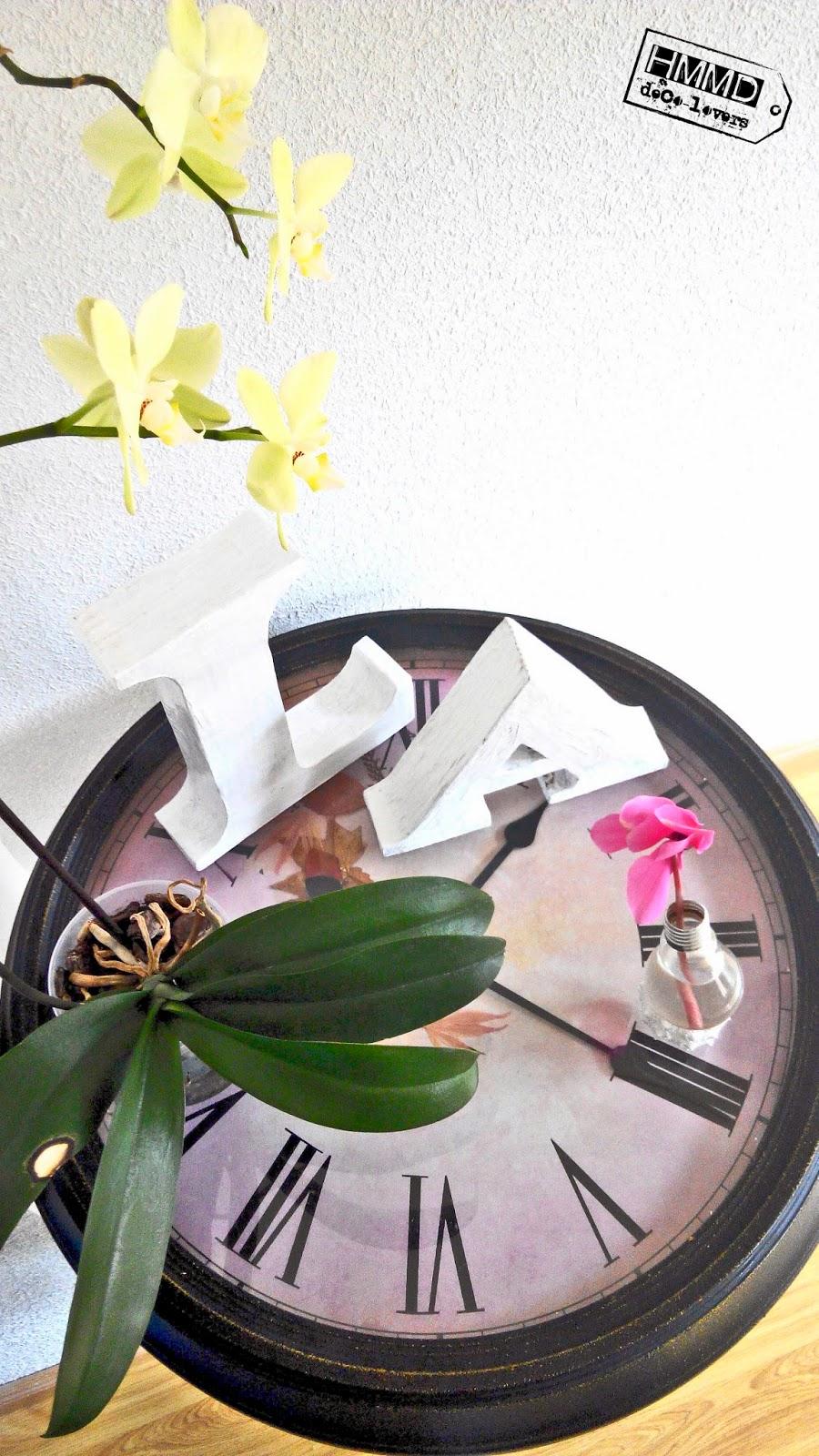 Mesa reloj vintage, look industrial, original y romántico by HMMD Table clock, industrial romantic look gift metal by Handmademaniadecor