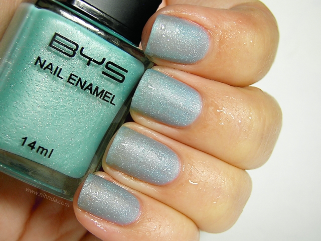 BYS Colour Change Nail Enamel in Glitter Blue