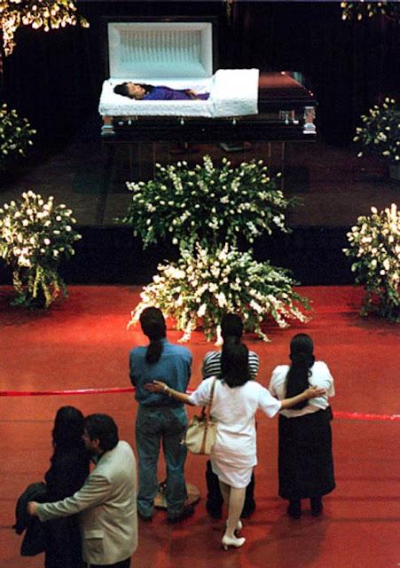 Selena Funeral Open Casket Selena funeral open casket